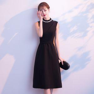 Modest / Simple Black Evening Dresses  2018 A-Line / Princess Scoop Neck Sleeveless Sash Tea-length Formal Dresses
