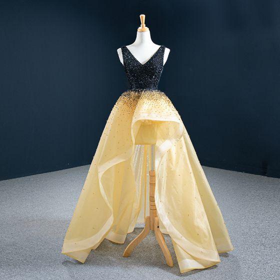 Hohes Niedriges Gold Ballkleider 2020 A Linie V-Ausschnitt Ärmellos Handgefertigt Perlenstickerei Asymmetrisch Rückenfreies Rüschen Festliche Kleider