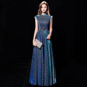 Ciel étoilé Bleu D'encre Robe De Soirée 2019 Princesse Col Haut Sans Manches Métal Ceinture Glitter Polyester Longue Volants Robe De Ceremonie