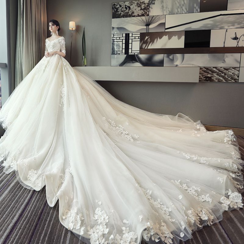 Romantic Ivory A-Line / Princess Wedding Dresses 2017 1/2 Sleeves Tulle Appliques Flower Backless Chapel Train