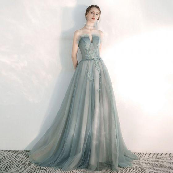Eleganta Sage Grön Aftonklänningar 2020 Prinsessa Älskling Ärmlös Appliqués Spets Beading Svep Tåg Ruffle Halterneck Formella Klänningar