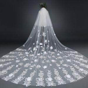 Elegante Witte 2017 Huwelijk Tule Appliques Geborduurde Bruidssluier