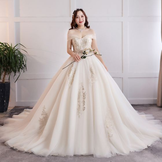 Charming Sexy White Ball Gown Plus Size Wedding Dresses 2019 Lace Appliques Backless Tulle Strapless Chapel Train Wedding