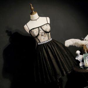 Mode Schwarz Heimkehr Abiballkleider 2020 A Linie Spaghettiträger Ärmellos Strass Stoffgürtel Kurze Rüschen Rückenfreies Festliche Kleider