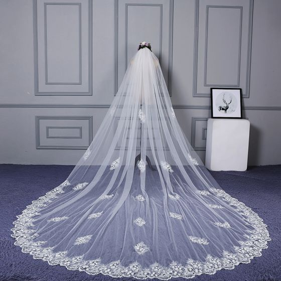 Amazing / Unique White Cathedral Train Wedding 2018 Tulle Lace Appliques Wedding Veils