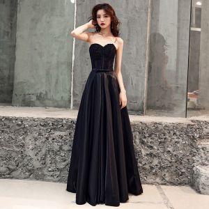 Eleganckie Czarne Satyna Sukienki Wieczorowe 2019 Princessa Kochanie Bez Rękawów Frezowanie Kokarda Szarfa Trenem Sweep Wzburzyć Bez Pleców Sukienki Wizytowe