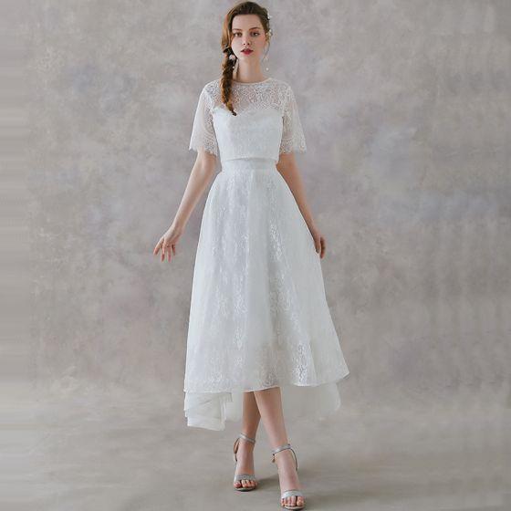 2 Bit Elfenben Spets Trädgård / Utomhus Bröllopsklänningar 2019 Prinsessa Urringning Korta ärm Halterneck Asymmetrisk Ruffle