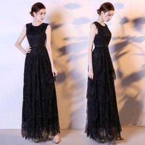 Modest / Simple Black Lace Evening Dresses  2018 Empire Scoop Neck Sleeveless Sash Floor-Length / Long Ruffle Formal Dresses