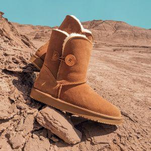 Schöne Kastanienbraune Schneestiefel 2020 Leder Schaltflächen Ankle Boots Winter Mittel-Heels Freizeit Runde Zeh Stiefel Damen