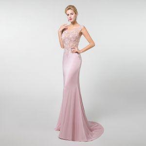 Illusion Pink Durchsichtige Abendkleider 2019 Meerjungfrau U-Ausschnitt Ärmellos Perlenstickerei Sweep / Pinsel Zug Festliche Kleider
