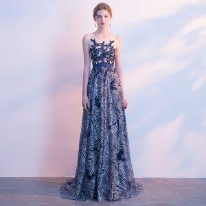 Scintillantes Glitter Robe De Soirée 2017 Princesse En Dentelle Paillettes Ceinture Encolure Dégagée Sans Manches Tribunal Train Robe De Ceremonie