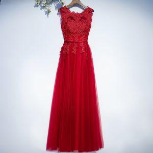 Schöne Rot Festliche Kleider Abendkleider 2017 Mit Spitze Blumen Riemchen Reißverschluss Ärmellos Lange A Linie Rundhalsausschnitt
