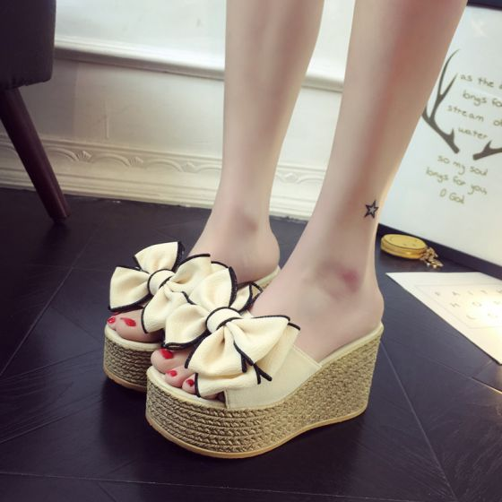 Encantador Sandalias De Mujer 2017 Peep Toe 9 cm Plataforma Bowknot Suede Beige Sandalias Zapatilla