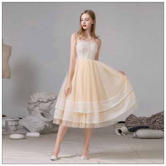 Fashion Champagne Homecoming Graduation Dresses 2020 A-Line / Princess Spaghetti Straps Lace Sleeveless Backless Tea-length Formal Dresses