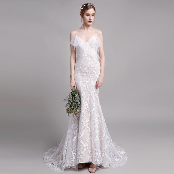 Charming Champagne Beach Wedding Dresses 2019 Trumpet / Mermaid Spaghetti Straps Lace Flower Sleeveless Backless Sweep Train