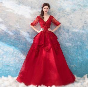 Unique Rot Lange Ballkleider 2018 1/2 Ärmel V-Ausschnitt Tülle Ballkleid Stickerei Applikationen Rückenfreies Perlenstickerei Ball Abendkleider