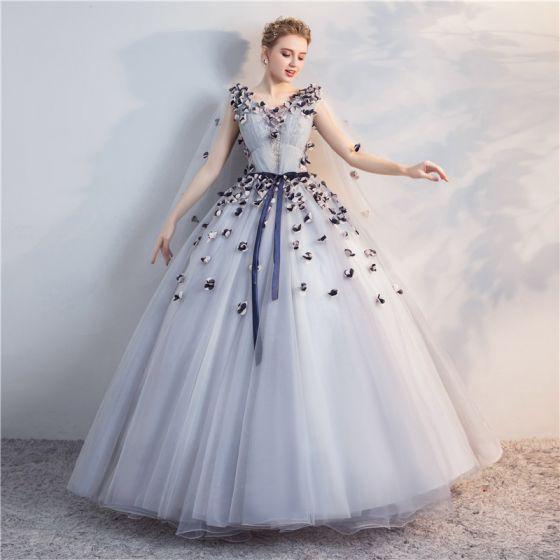 52ad50dd5ba Hermoso Gris Quinceañera Vestidos de gala 2018 Ball Gown Con Encaje  Apliques Bowknot V-Cuello Sin Espalda Sin Mangas ...