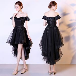 High Low Black Cocktail Dresses 2018 A-Line / Princess Off-The-Shoulder Short Sleeve Appliques Lace Asymmetrical Ruffle Backless Formal Dresses