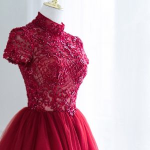 Illusion Burgundy Pierced Prom Dresses 2018 A-Line / Princess High Neck Short Sleeve Beading Backless Ruffle Formal Dresses