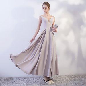 Modest / Simple Grey Evening Dresses  2018 A-Line / Princess V-Neck Sleeveless Ankle Length Ruffle Backless Formal Dresses