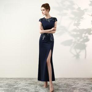 Elegante Marineblau Abendkleider 2017 Mermaid U-Ausschnitt Charmeuse Applikationen Perlenstickerei Durchbohrt Handgefertigt Abend Festliche Kleider