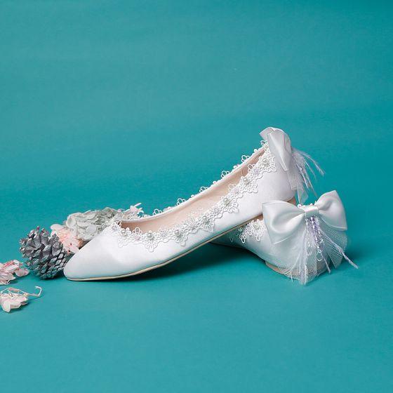 Elegant Ivory Satin Flade Brudesko 2020 Perle Med Blonder Blomsten Sløjfe Spidse Tå