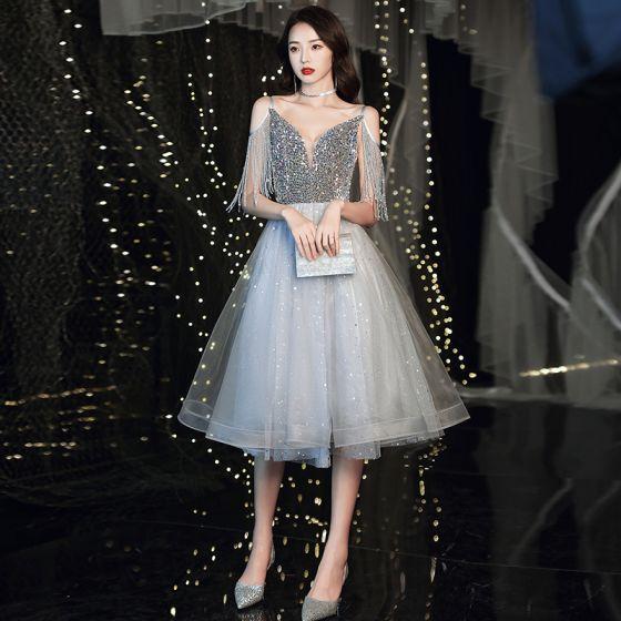 Fashion Grey Homecoming Graduation Dresses 2020 A-Line / Princess V-Neck Spaghetti Straps Sleeveless Beading Tassel Glitter Star Sequins Knee-Length Ruffle Backless Formal Dresses