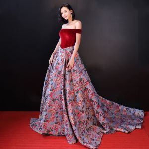 Chic / Beautiful Burgundy Evening Dresses  2018 A-Line / Princess Suede Printing Off-The-Shoulder Backless Sleeveless Court Train Formal Dresses