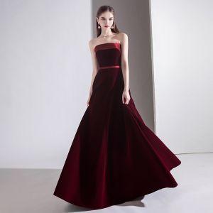 Sencillos Color Sólido Borgoña Vestidos de noche 2020 A-Line / Princess Sin Tirantes Suede Sin Mangas Sin Espalda Largos Vestidos Formales