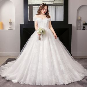 Sexy White Ball Gown Plus Size Wedding Dresses 2019 Lace Tulle Appliques Backless Strapless Chapel Train Wedding