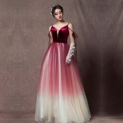 Elegant Burgundy Gradient-Color Champagne Prom Dresses 2019 A-Line / Princess Sleeveless Spaghetti Straps Sash Floor-Length / Long Ruffle Backless Formal Dresses
