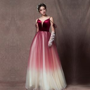 Elegant Burgundy Gradient-Color Champagne Prom Dresses 2019 A-Line / Princess Sleeveless Spaghetti Straps Sash Floor-Length / Long Ruffle Backless Formal Dresses