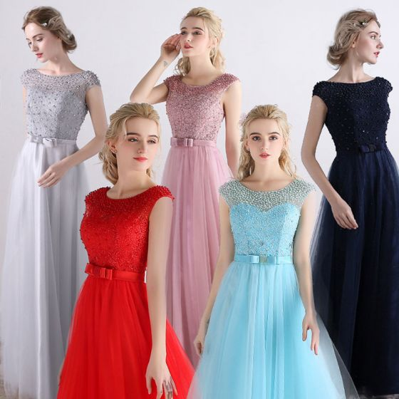 08437b4d741d Overkommelige Brudepigekjoler 2017 Prinsesse Kort Ærme Halterneck Perle  Tulle Bælte Lange Kjoler Til Bryllup