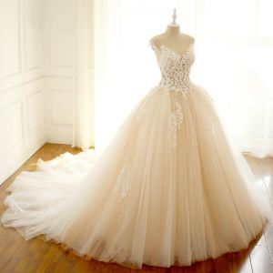 Elegant Champagne Puffy Wedding Dresses 2018 Ball Gown Appliques V-Neck Sleeveless Cathedral Train Wedding