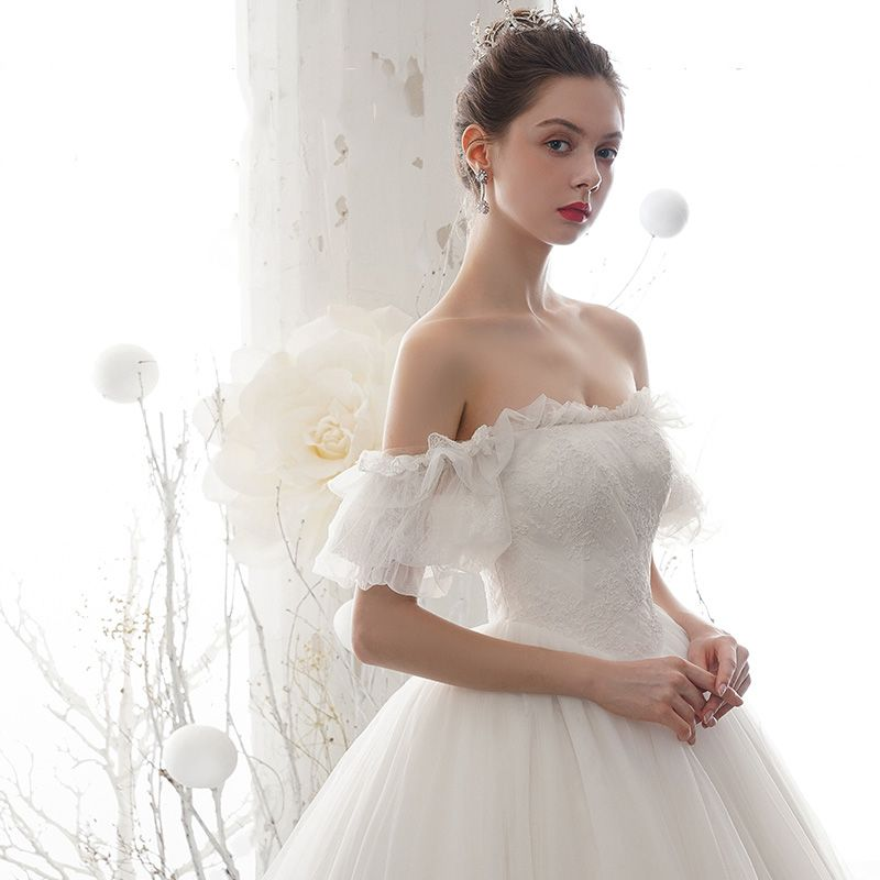 Modest / Simple Ivory Wedding Dresses 2020 A-Line / Princess Off-The-Shoulder Puffy Short Sleeve Backless Appliques Lace Chapel Train Ruffle