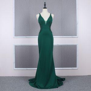 Erschwinglich Dunkelgrün Abendkleider 2020 Meerjungfrau Schultern Ärmellos Perlenstickerei Hof-Schleppe Rüschen Rückenfreies Festliche Kleider