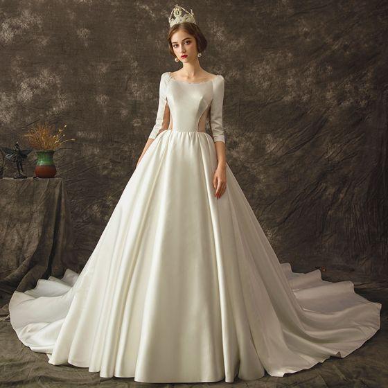 Vintage Ivory / Creme Durchsichtige Brautkleider / Hochzeitskleider 2019 A Linie Rundhalsausschnitt 3/4 Ärmel Rückenfreies Kathedrale Schleppe Rüschen
