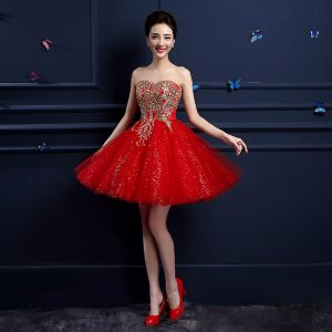 Chic / Beautiful Red Graduation Dresses 2017 A-Line / Princess Lace Strapless Appliques Backless Embroidered Homecoming Party Dresses