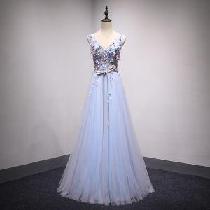 Schöne Himmelblau Ballkleider 2018 A Linie Mit Spitze Blumen Applikationen Kristall V-Ausschnitt Rückenfreies Ärmellos Lange Festliche Kleider