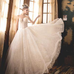 Elegante Champagner Brautkleider 2018 Ballkleid Perlenstickerei Perle Strass Pailletten Bandeau Rückenfreies Ärmellos Lange Hochzeit