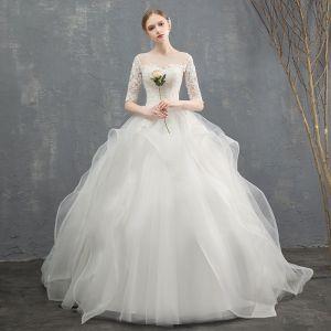 Elegante Ivory / Creme Brautkleider 2018 Ballkleid Fallende Rüsche Mit Spitze Blumen Rundhalsausschnitt 1/2 Ärmel Lange Hochzeit