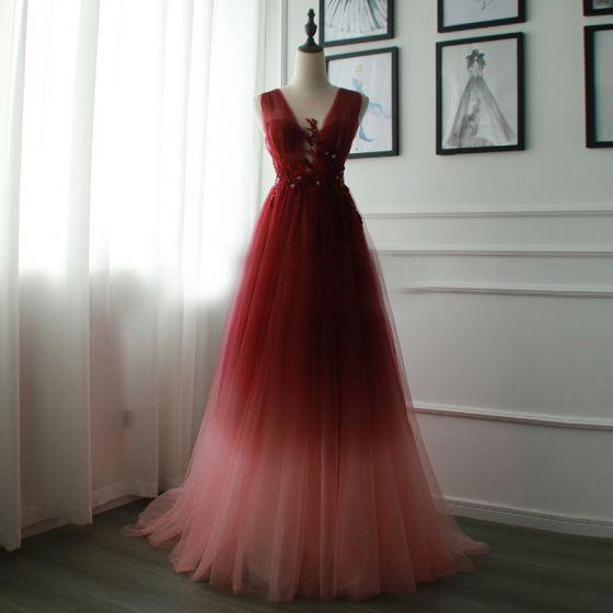 Unik Gradient Farve Selskabskjoler 2019 Blonde Tulle Applikationsbroderi Halterneck Beading Perle Selskabs Kjoler