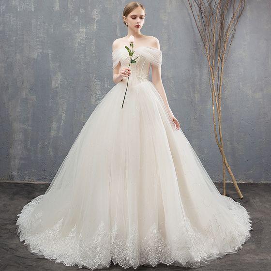 Elegante Champagner Brautkleider / Hochzeitskleider Ballkleid Spitze Off Shoulder Rückenfreies Ärmellos Kapelle-Schleppe Hochzeit