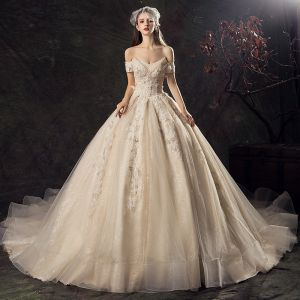 Vintage / Retro Champagne Wedding Dresses 2019 Princess Off-The-Shoulder Short Sleeve Backless Appliques Lace Glitter Tulle Chapel Train Ruffle