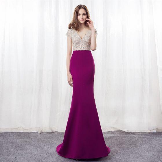 Stylowe / Modne Fuksja Sukienki Wieczorowe 2018 Syrena / Rozkloszowane V-Szyja Kótkie Rękawy Frezowanie Rhinestone Trenem Sweep Sukienki Wizytowe