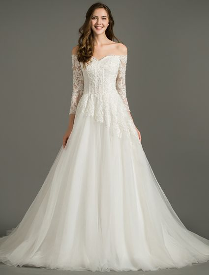 21e94af3633d a-line-off-the-shoulder-applique-lace-organza-backless-wedding-dress -425x560.jpg