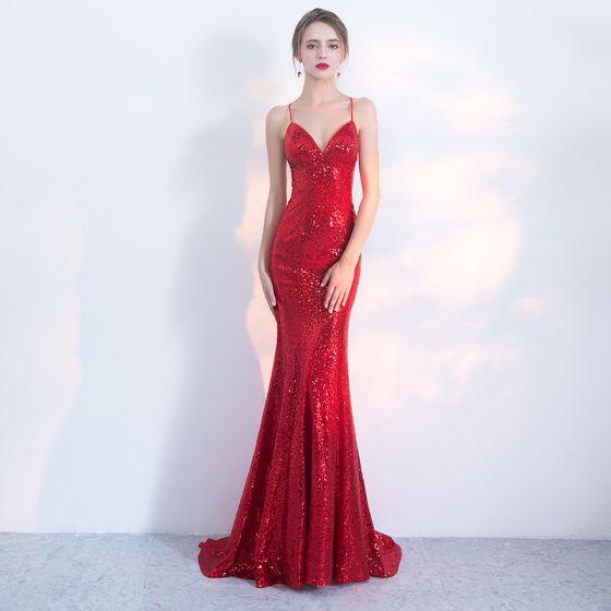 Sexy Rouge Robe De Soirée 2017 Trompette / Sirène Paillettes Bretelles Spaghetti Dos Nu Train De Balayage Sans Manches Robe De Ceremonie