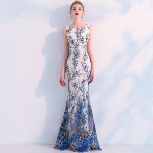 Mode Ivory / Creme Abendkleider 2019 Meerjungfrau Rundhalsausschnitt Ärmellos Drucken Blumen Lange Rüschen Rückenfreies Festliche Kleider