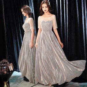 Glittrande Silver Aftonklänningar 2019 Prinsessa Urringning Rhinestone Glittriga / Glitter Polyester Rosett 1/2 ärm Halterneck Långa Formella Klänningar