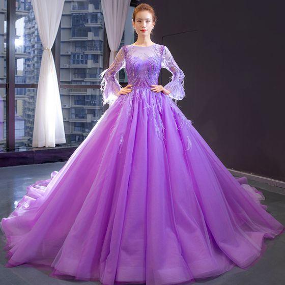 Luksusowe Liliowy Przezroczyste Sukienki Wieczorowe 2020 Princessa Wycięciem Długie Rękawy Rękawy z dzwoneczkami Frezowanie Pióro Trenem Kaplica Wzburzyć Bez Pleców Sukienki Wizytowe